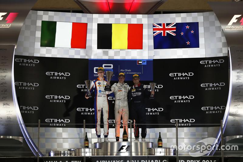 Podium 1. Rennen: 2. Raffaele Marciello, Trident; 1. Stoffel Vandoorne, ART Grand Prix; 3. Mitch Eva