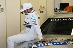 Льюис Хэмилтон, Mercedes AMG F1 на параде пилотов