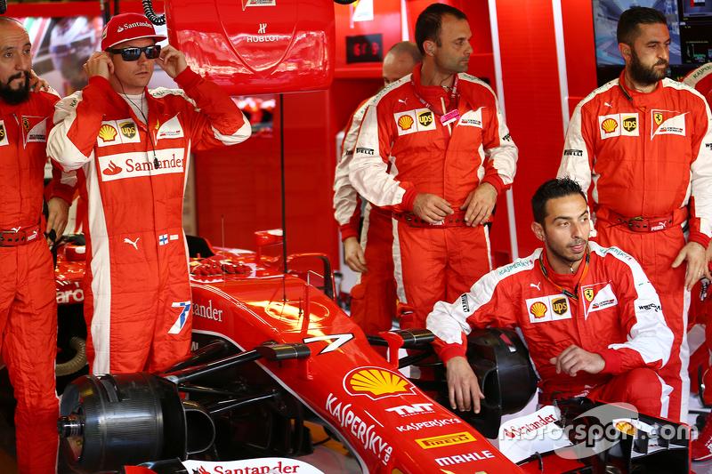 Kimi Räikkönen, Ferrari, beim Teamfoto