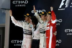 Second place Lewis Hamilton, Mercedes AMG F1 Team and race winner Nico Rosberg, Mercedes AMG F1 Team