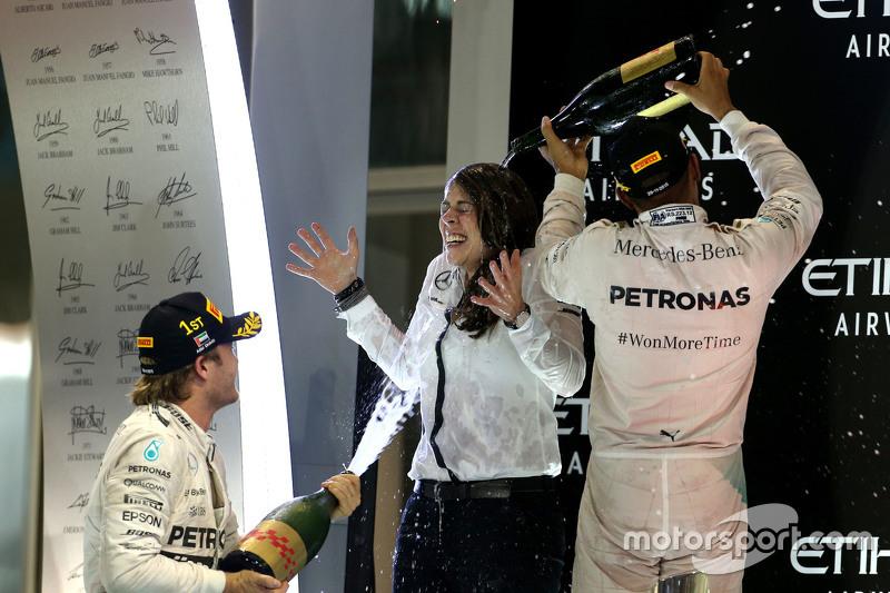 Segundo lugar Lewis Hamilton, Mercedes AMG F1 Team y ganador de la carrera Nico Rosberg, Mercedes AMG F1 Team