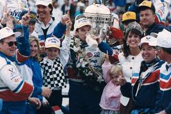 Race winner Al Unser Jr.