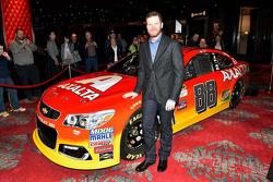 Dale Earnhardt Jr., Hendrick Motorsports Chevrolet with new Axalta paint scheme