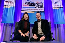 NASCAR-Reporter Jamie Little mit NASCAR-Champion 2015 Kyle Busch, Joe Gibbs Racing Toyota