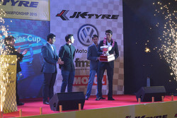 Karun Chandhok and Vishnu Prasad