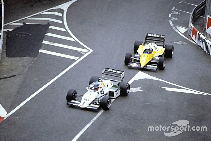 Keke Rosberg, Williams leads Alain Prost, Renault F1 Team