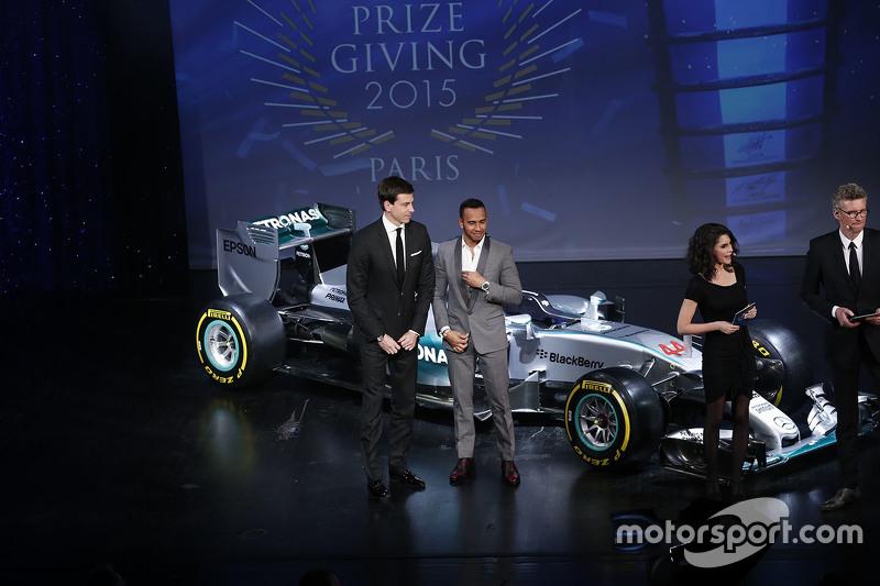Lewis Hamilton, Mercedes AMG F1 mit Toto Wolff, Mercedes AMG F1