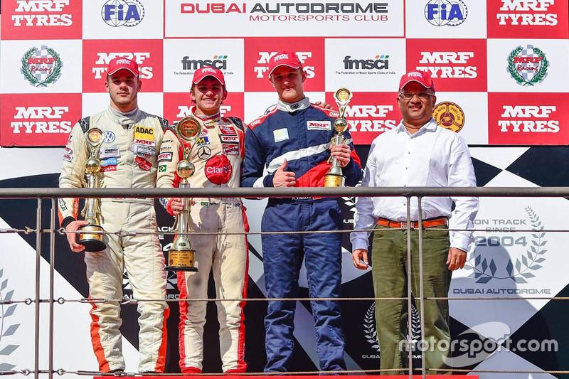 Podyum: Kazanan Pietro Fittipaldi, ikinci Alessio Picariello, üçüncü Nikita Troitskiy