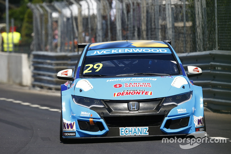 Нестор Гіроламі, Honda Civic WTCC, Nika International