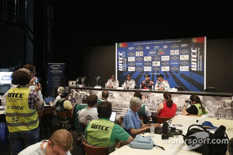 Press conference: Sébastien Loeb, Citroën World Touring Car team, Jose Maria Lopez, Citroën World To