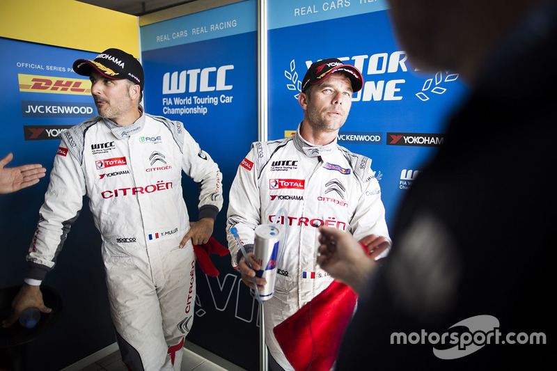 Polesitter Sébastien Loeb, Citroën C-Elysee WTCC, Citroën World Touring Car team and Yvan Muller, Citroën C-Elysee WTCC, Citroën World Touring Car team