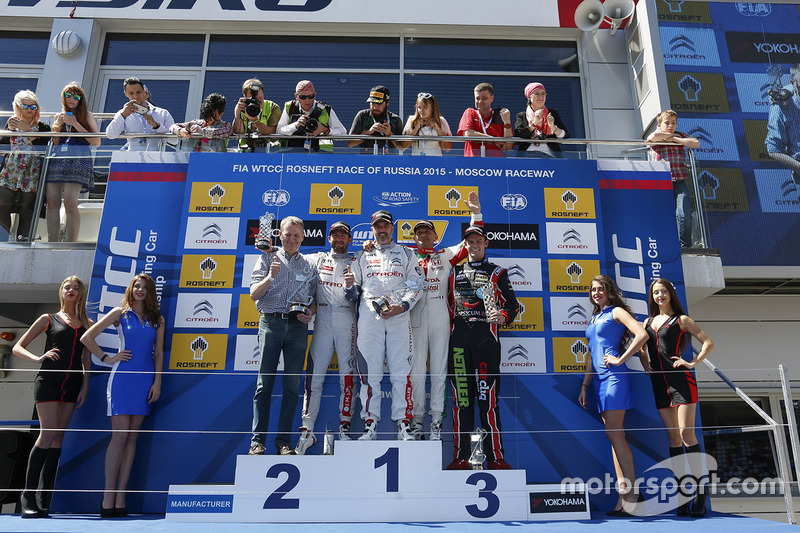 Podium: race winner Yvan Muller, Citroën C-Elysee WTCC, Citroën World Touring Car team, second place Jose Maria Lopez, Citroën C-Elysee WTCC, Citroën World Touring Car team, third place Gabriele Tarquini, Honda Civic WTCC, Honda Racing Team JAS and Tom Chilton, Chevrolet RML Cruze TC1, ROAL Motorsport