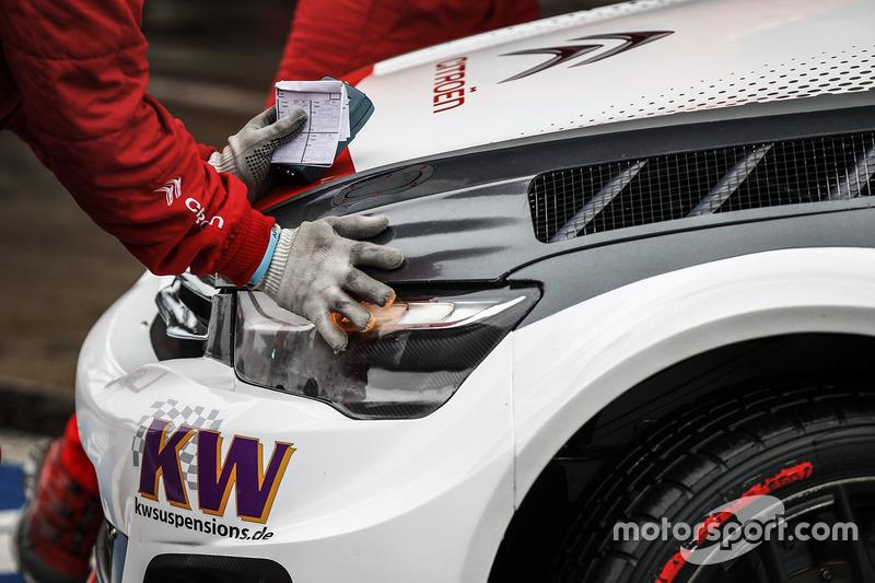 Citroën World Touring Car team detail