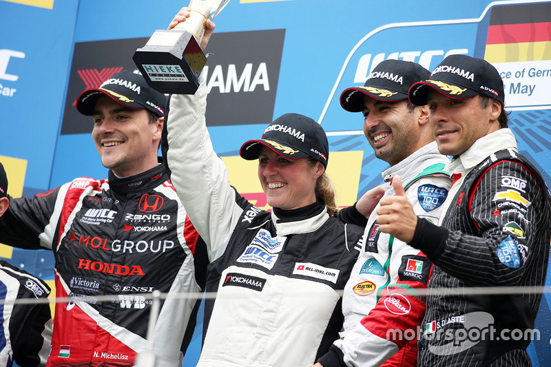 Podium: Norbert Michelisz, Honda Civic WTCC, Zengo Motorsport, Sabine Schmitz, Chevrolet RML Cruze,