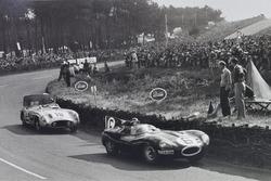 Mike Hawthorn, Ferrari; Stirling Moss, Mercedes