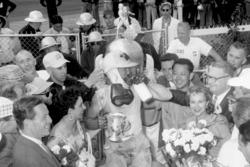 Переможець гонки - Пет Флаерті