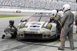 Pitstop for #912 Porsche Team North America Porsche 911 RSR: Michael Christensen, Earl Bamber, Frédéric Makowiecki