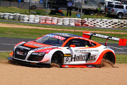 #9 Melbourne Performance Centre Audi R8 LMS Ultra: Marc Cini, Mark Eddy, Christer Joens sorun yaşıyor