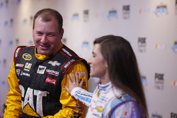 Danica Patrick, Stewart-Haas Racing Chevrolet, Ryan Newman, Richard Childress Racing Chevrolet