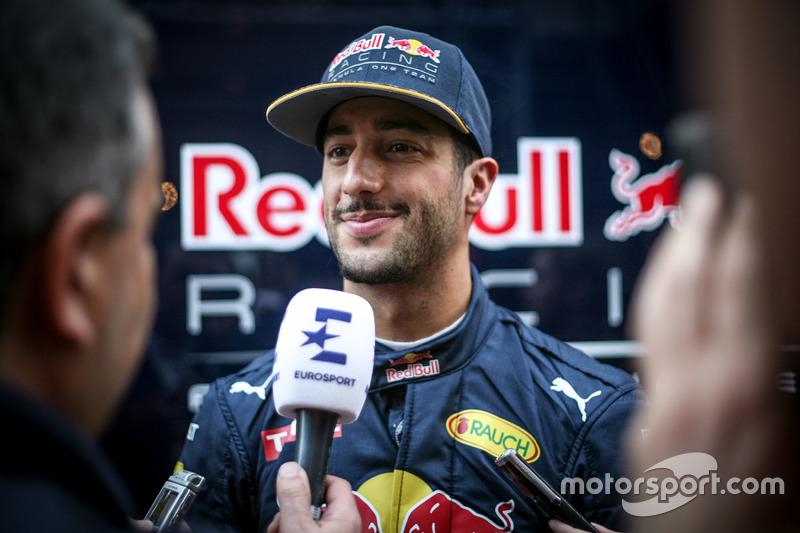 Daniel Ricciardo, Red Bull Racing met de media