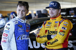 Landon Cassill, Front Row Motorsports, Ford; Chris Buescher, Front Row Motorsports, Ford