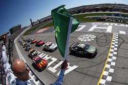 Start: Kurt Busch, Stewart-Haas Racing Chevrolet führt