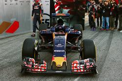 Презентация ливреи Scuderia Toro Rosso STR11