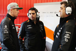 Nico Hulkenberg, Sahara Force India F1 and Bradley Joyce, Sahara Force India F1 Race Engineer