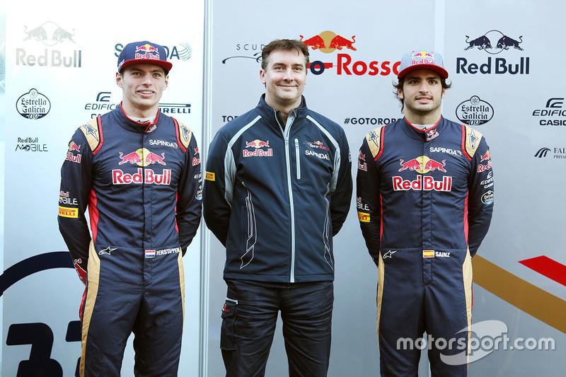 Max Verstappen, Scuderia Toro Rosso con James Key, Scuderia Toro Rosso Director Técnico y Carlos Sainz Jr., Scuderia Toro Rosso