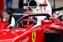 Kimi Raikkonen, Ferrari SF16-H, in pista con il sistema Halo