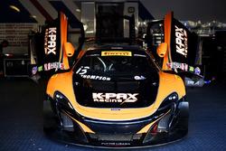 #13 K-Pax Racing McLaren 650S GT3: Колін Томпсон