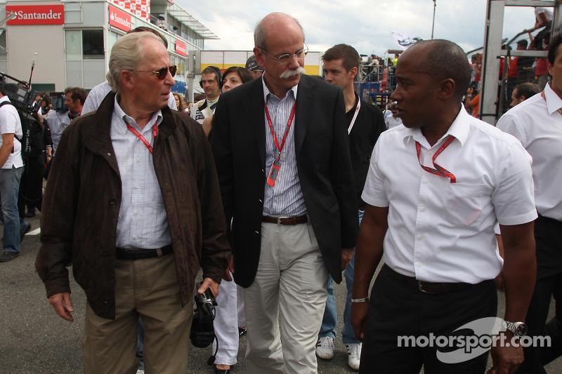 Prof. Jurgen Hubbert, Board, Management DaimlerChrysler ve Dr. Dieter Zetsche, Yönetim Kurulu Başkan