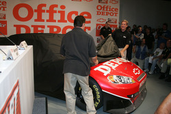 Tony Stewart uncovers the new #14 Office Depot Car