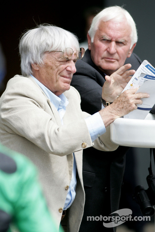 King George VI ve Queen Elizabeth Stakes Day, Crystal Palace, Ascot, England: Bernie Ecclestone, Baş