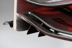 McLaren Mercedes, MP4-23, Front wing detail