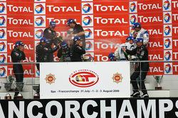 GT1 podium: champagne