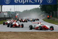 Jules Bianchi, Nico Hulkenberg, Jon Lancaster (ART Grand Prix Dallara-Mercedes)