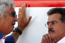 Flavio Briatore, Renault F1 Team, Team Chief, Managing Director, Dr. Mario Theissen, BMW Sauber F1 Team, BMW Motorsport Director