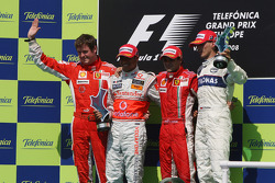 Podium: 1. Felipe Massa, 2. Lewis Hamilton, 3. Robert Kubica, und Rob Smedly