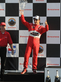 Podium: second place Helio Castroneves