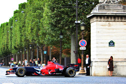 Sébastien Bourdais, Scuderia Toro Rosso, demonstration in Paris