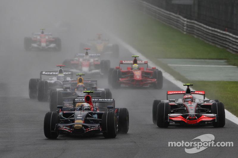 Sebastian Vettel startet von der Pole-Position
