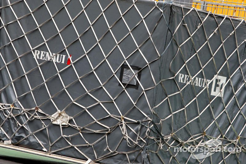 Renault F1 Team, Cargo