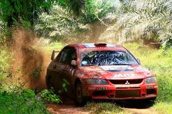 Scott Pedder and co-driver Glen Weston, Mitsubishi Lancer Evo 9 for MRF Tyres Rally Team