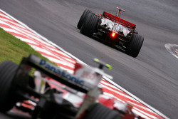Lewis Hamilton, McLaren Mercedes et Timo Glock, Toyota F1 Team