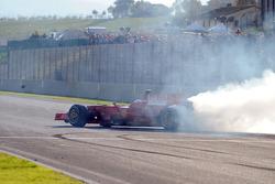 Felipe Massa does a burnout
