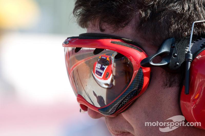 Scuderia Ecosse team member