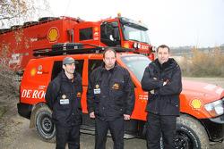 Team de Rooy: driver Bart de Gooyert, co-driver Dennis Voets, crew member Sébastien Catta, assistance vehicle