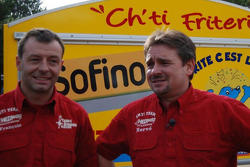 Chti Friterie Team: Hervé Diers and François Béguin with the #400 Toyota Land Cruiser french fries mobile