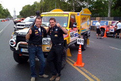 Hervé Diers and François Béguin with the #400 Toyota Land Cruiser french fries mobile